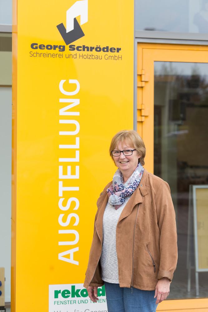 Silvia Scholz: Fachberaterin Bauelemente Teammitglied seit: 1995 Bürokauffrau