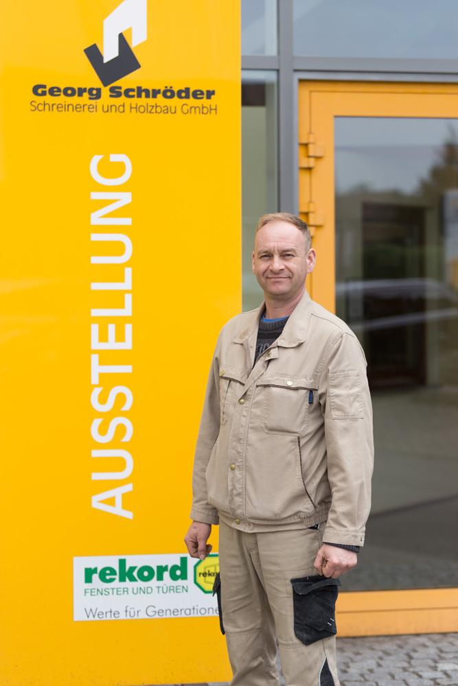 Alexander Mayer: Monteur Schreinerei Teammitglied seit: 2008 Schreinergeselle